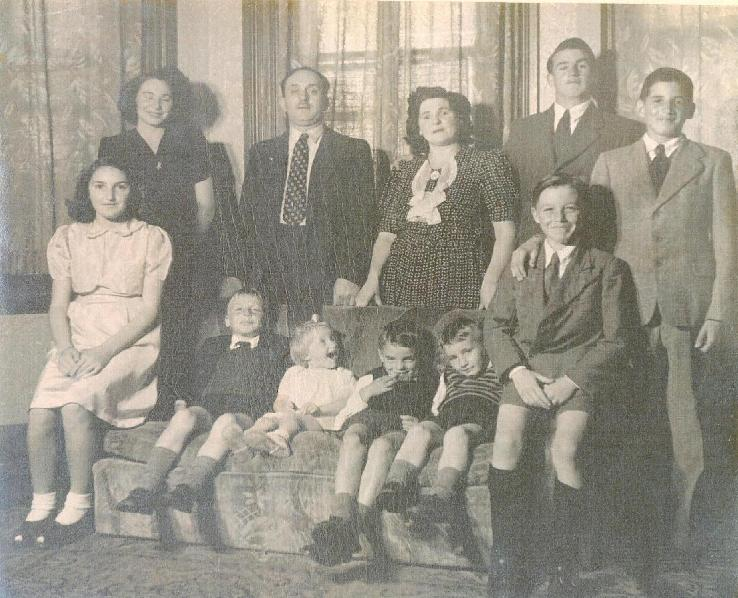 Standing, left to right: Sonia, Izzy, Fanny, Joe, Leslie. Seated, left to right: Minnie, Raphael, Rachel, Gerry, Bennie, Sammy.